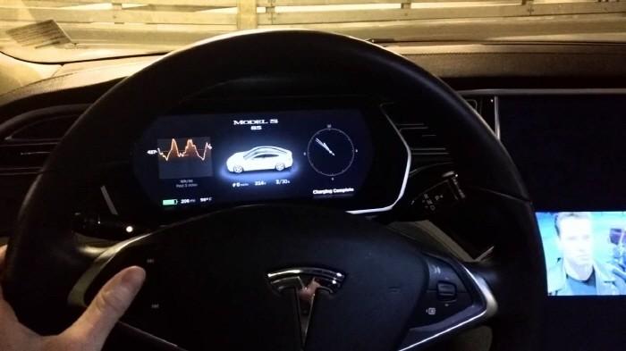 Gentoo_Tesla_160428_1.jpg